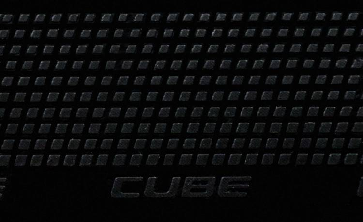 Cube Natural Fit Tape Tape Grip Guidon noir